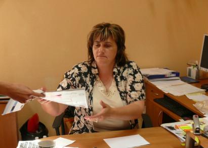 Zdjęcie przedstawia Małgorzatę Przątek oraz jej stanowisko